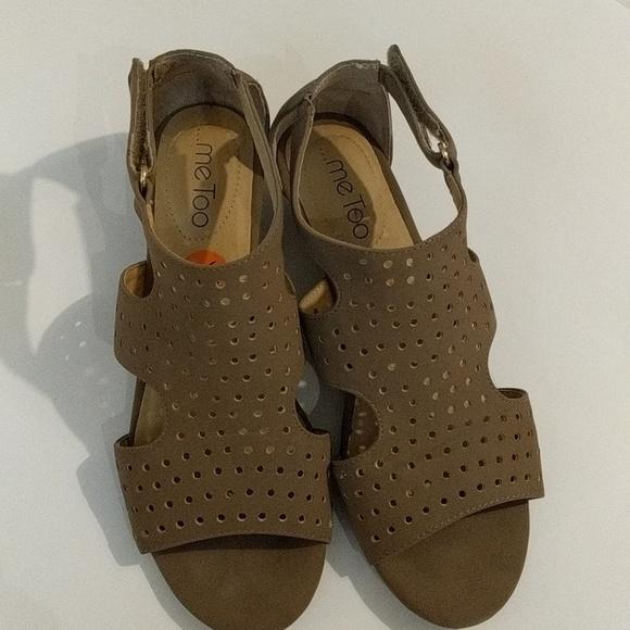 8e5ed6d85cca Me Too Dressy Sandals. M 5a4e461572ea88ac19008413